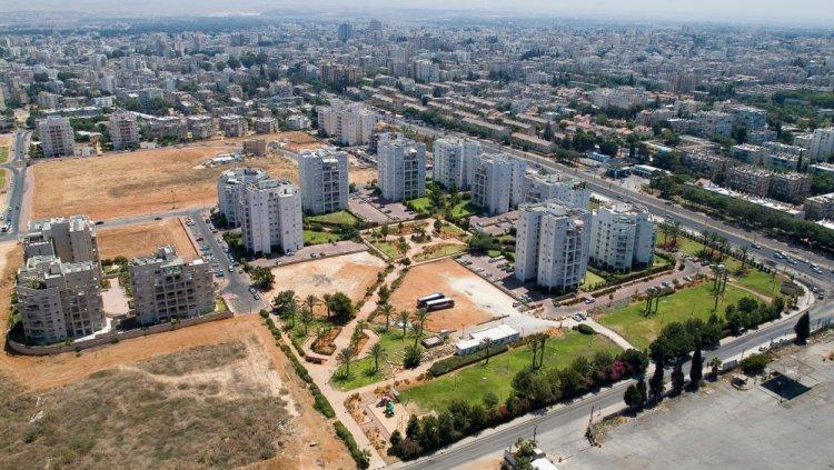באר יעקב. בדרך לעיר עם 85,000 תושבים (שאטרסטוק)