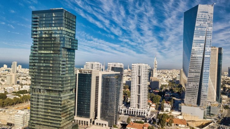 בנייני משרדים בתל אביב (שאטרסטוק)